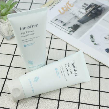Sữa rửa mặt trị mụn Innisfree Bija Trouble Facial Foam