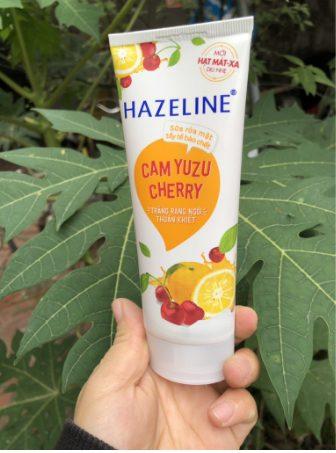 Sữa rửa mặt Hazeline Cam Yuzu và Cherry