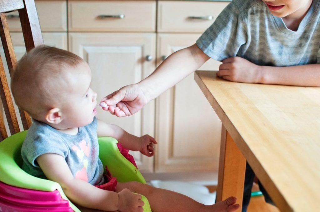 Bánh ăn dặm rất cần thiết trong giai đoạn ăn dặm của bé