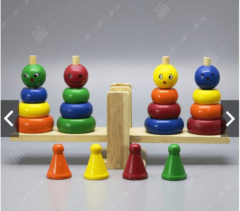4 chú hề thăng bằng