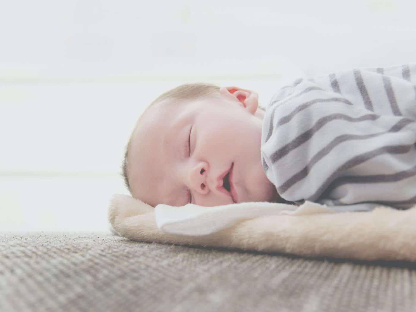 Gối cho bé sơ sinh