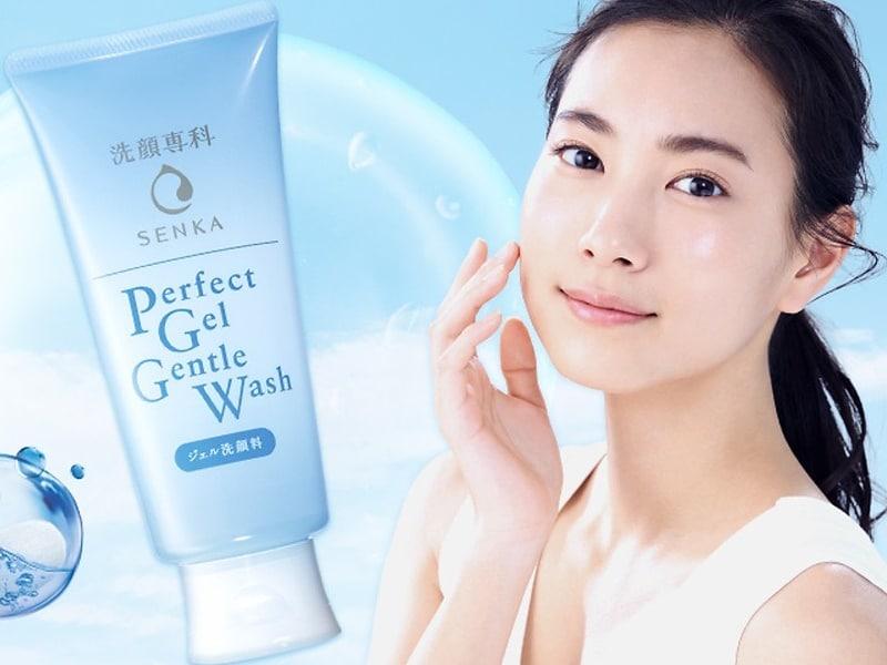 Sữa rửa mặt cho da nhạy cảm giá Senka Perfect Gel Gentle Wash