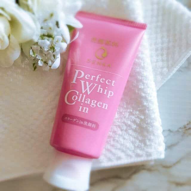 Sữa rửa mặt senka màu hồng dành cho da khô, lão hóa