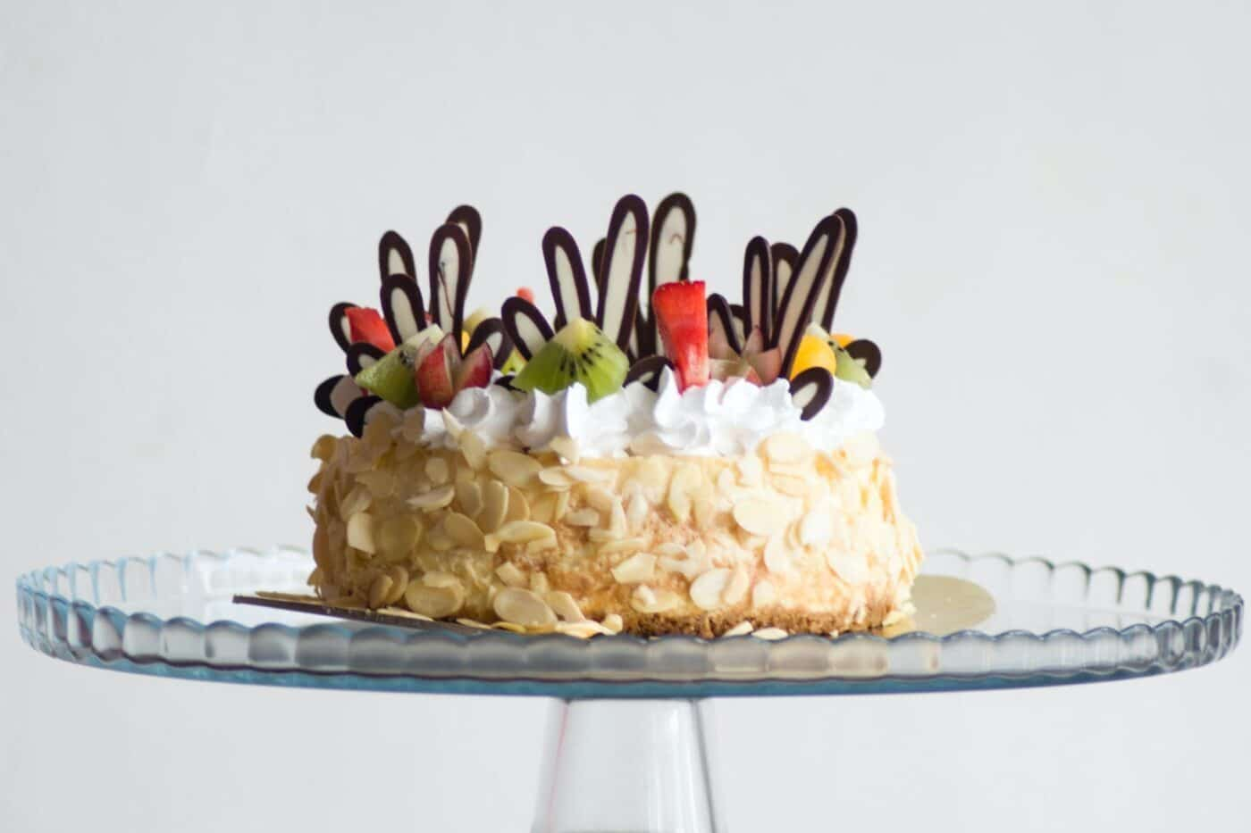 Bánh kem đặc trưng ngày sinh nhật