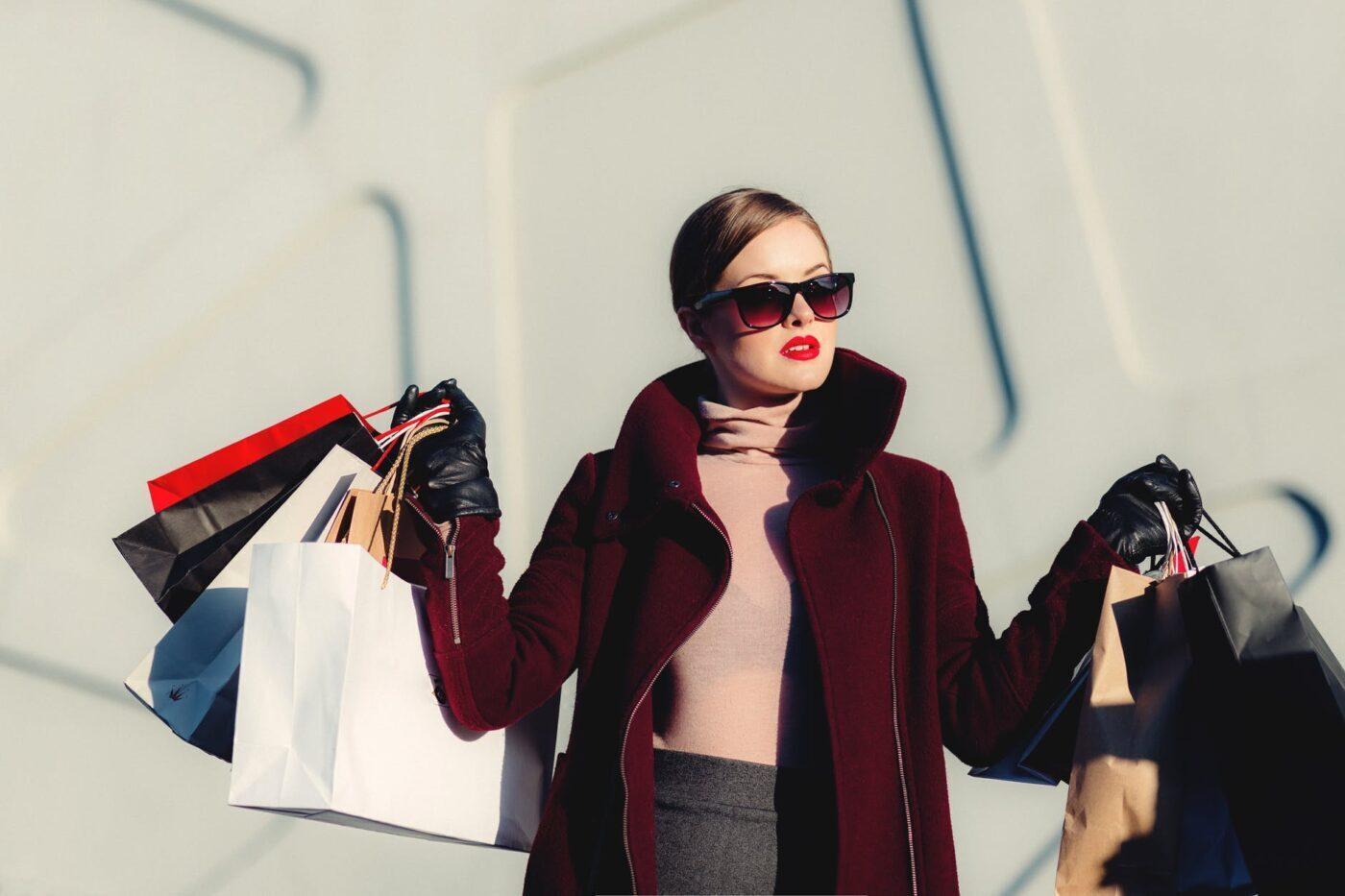 Dẫn mẹ đi mua sắm đồ mẹ thích