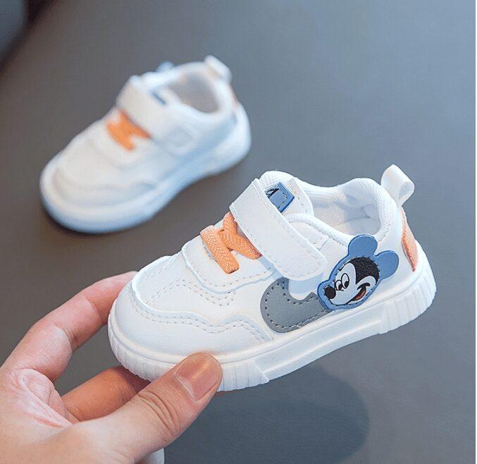 Giày cho bé trai 2 tuổi