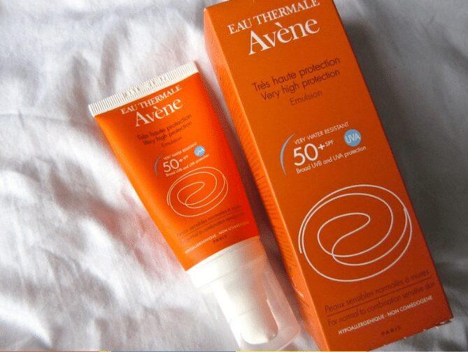 Kem chống nắng Avene Very High Protection Emulsion SPF50