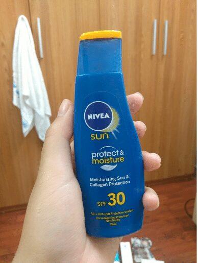 Kem chống nắng Nivea Sun Moisturising immediate sun protection collagen protect