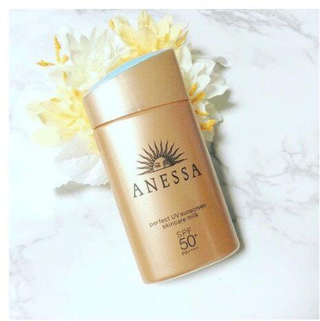 Kem chống nắng Nhật Anessa Perfect UV Sunscreen Skincare Milk